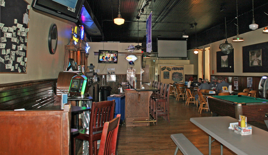 A trifecta of charismatic places to eat in russell county for Food bar russell
